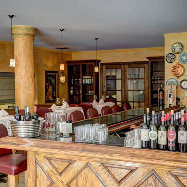 Bijou Restaurant Bar Hayward Ca