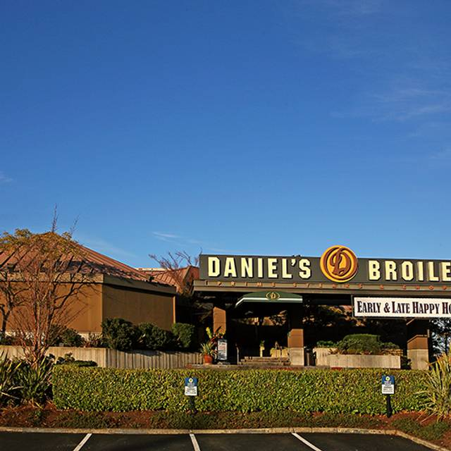 Daniel's Broiler - Lake Union, Seattle, WA