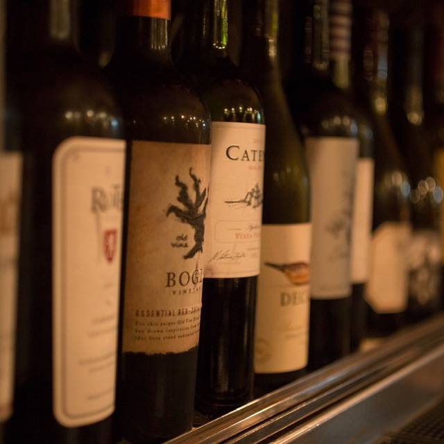 Formaggio Wine Bar - Honolulu, Honolulu, HI