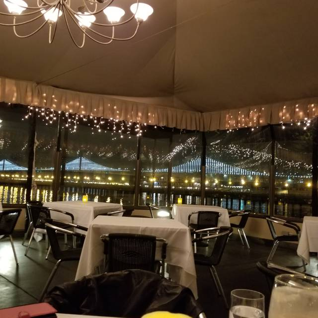 The Waterfront Restaurant and Cafe, San Francisco, CA