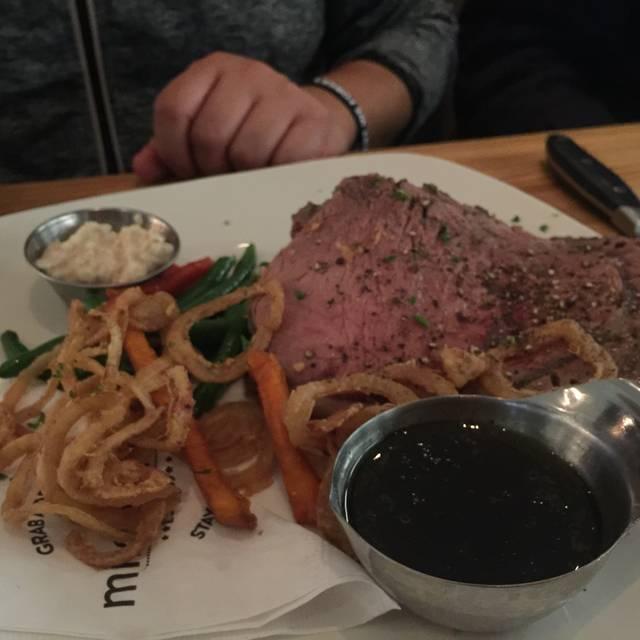 Milestones Grill + Bar - Crossroads, Vancouver, BC