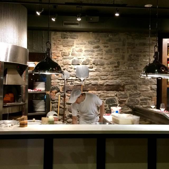 BEVO Bar + Pizzeria, Montréal, QC