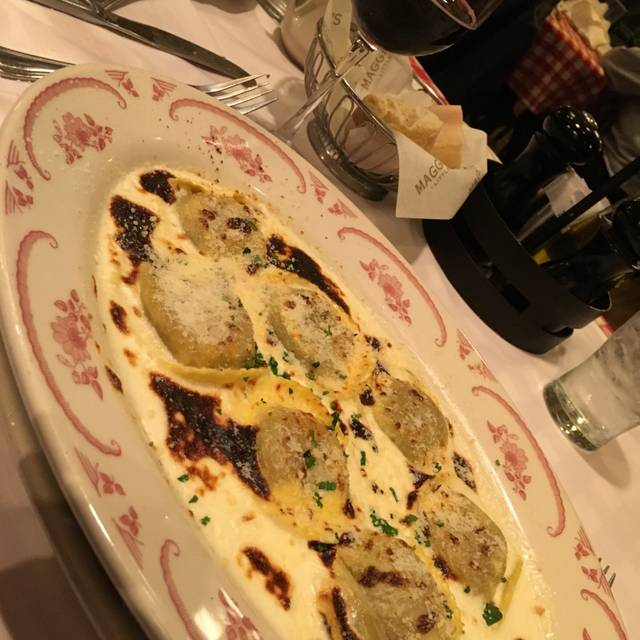 Maggiano's - Oak Brook, Oak Brook, IL