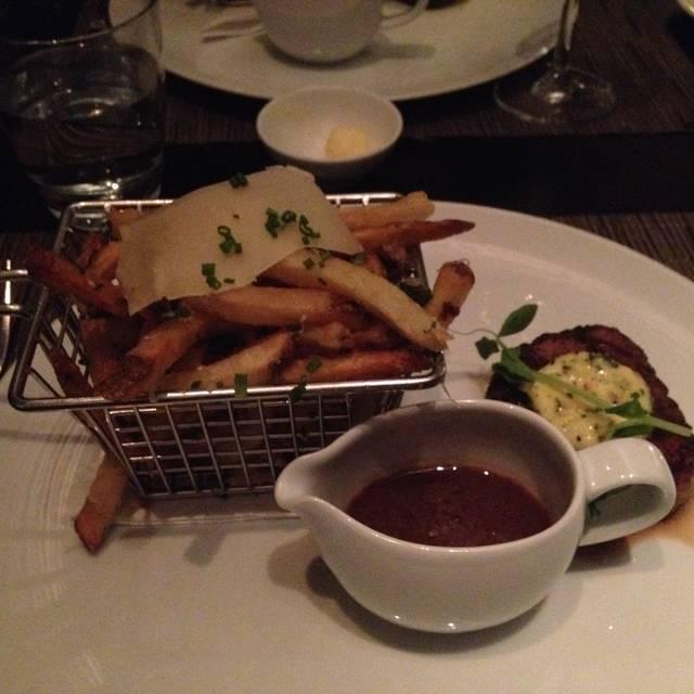ONE Restaurant, Toronto, ON