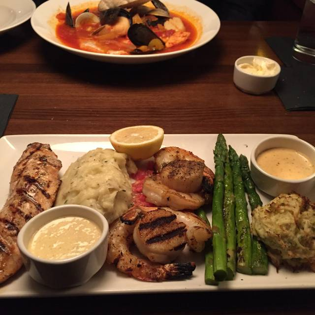 Bristol Seafood Grill - Creve Coeur, Creve Coeur, MO