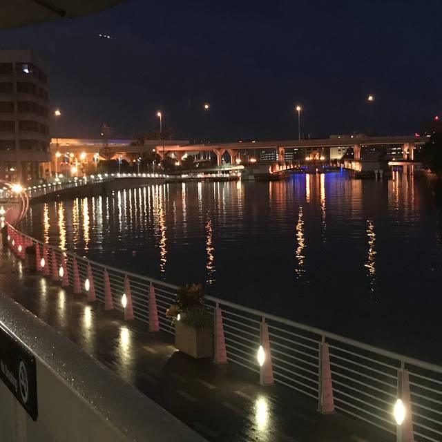 River's Edge @ Sheraton Tampa Riverwalk Hotel, Tampa, FL
