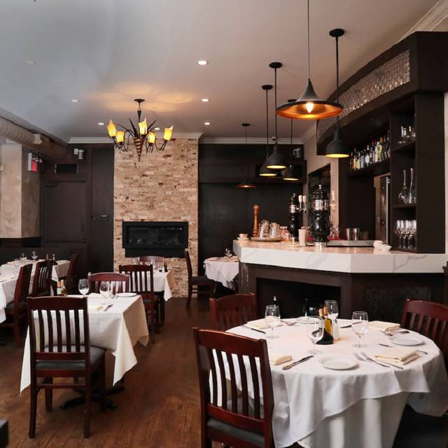 Aielli ristorante restaurant mississauga on opentable for Best private dining rooms mississauga