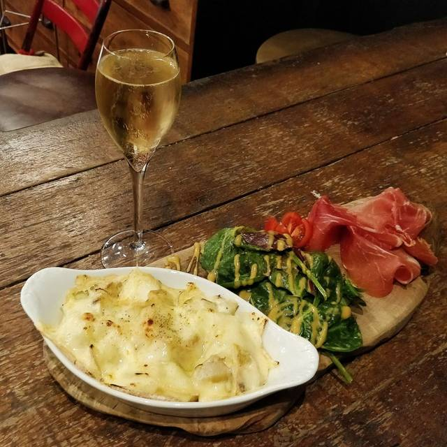 Champagne + Fromage - Brixton, London