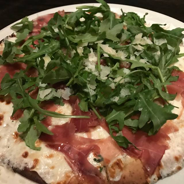 Olio Pizzeria, Santa Barbara, CA