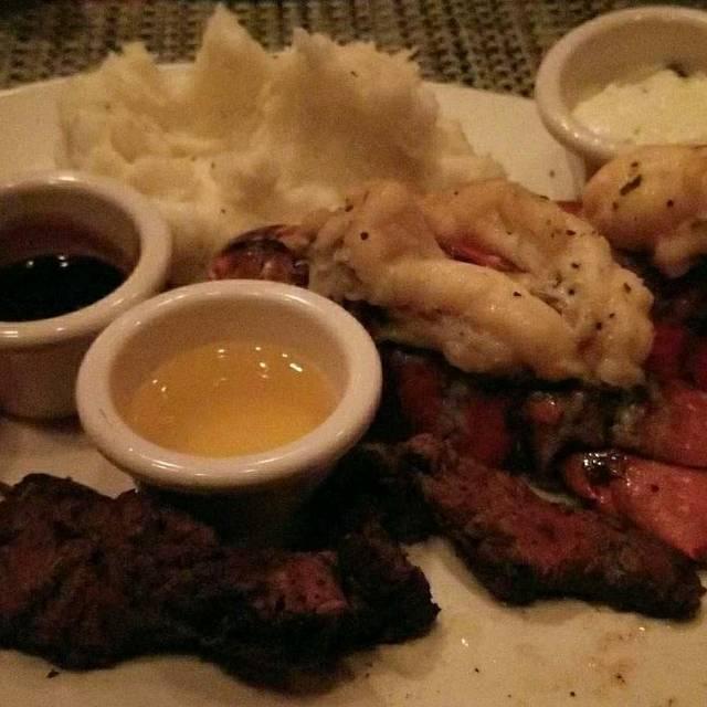 McCormick & Schmick's Seafood - Atlanta (CNN Center), Atlanta, GA