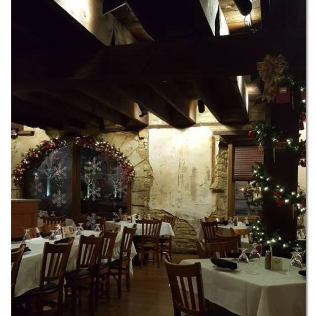 Public Landing Restaurant, Lockport, IL
