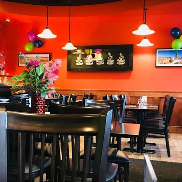 Green Chilli Indian Restaurant Calgary