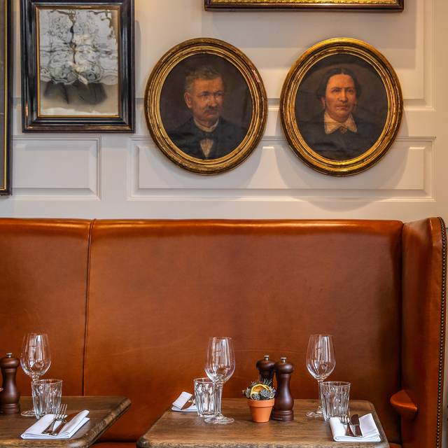 Dining Room Detail - The Coach Makers Arms, London