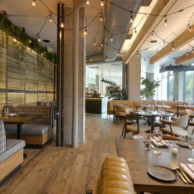 The osprey restaurant brooklyn ny opentable for Living room steakhouse brooklyn