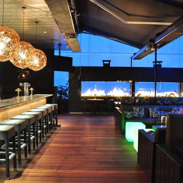 B+b Roof Bar - Black & Blue Steakhouse, Vancouver, BC