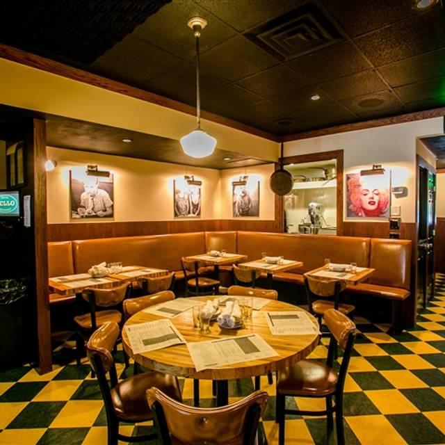 Cello Italian Restaurant - Howell, Howell, MI