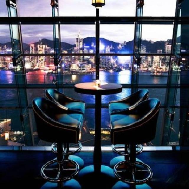 The glamorous penthouse bar - Aqua Spirit - Aqua Spirit, Kowloon, Hong Kong