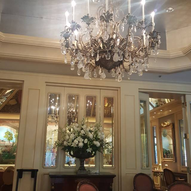 The Grill Room at the Windsor Court Hotel, New Orleans, LA