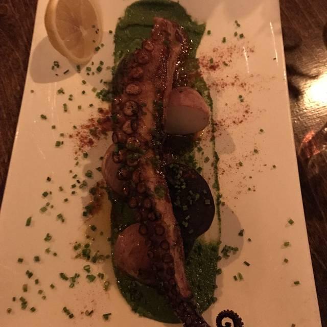 MyMoon Restaurant, Brooklyn, NY
