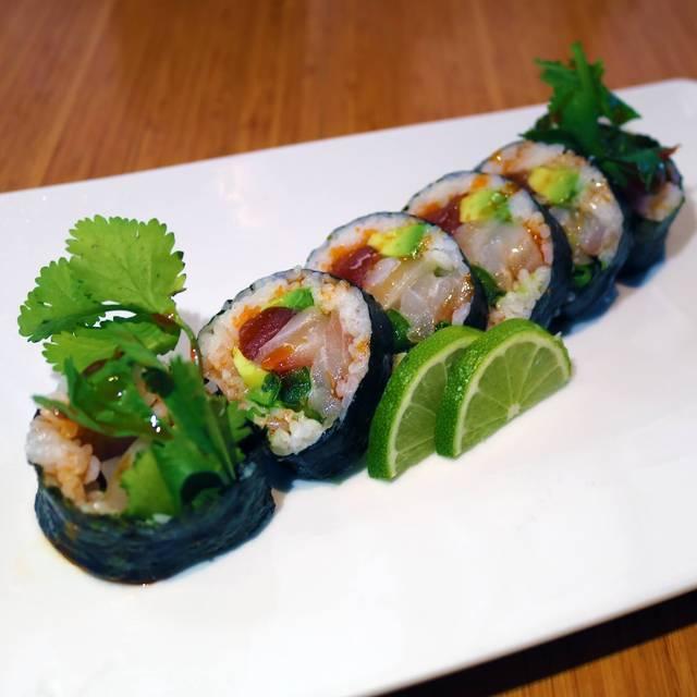 Oysy Sushi, Chicago, IL