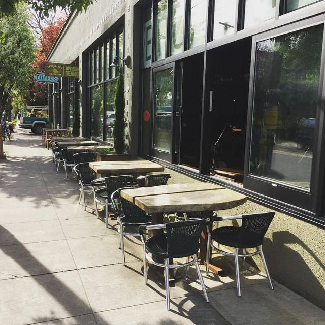 Outdoor Patio - Cibo, Portland, OR