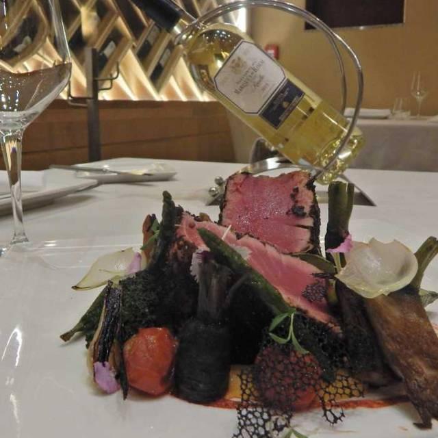 Atun En Costra De Ajonjolí - Chardonnay at Riu Guadalajara, Guadalajara, JAL