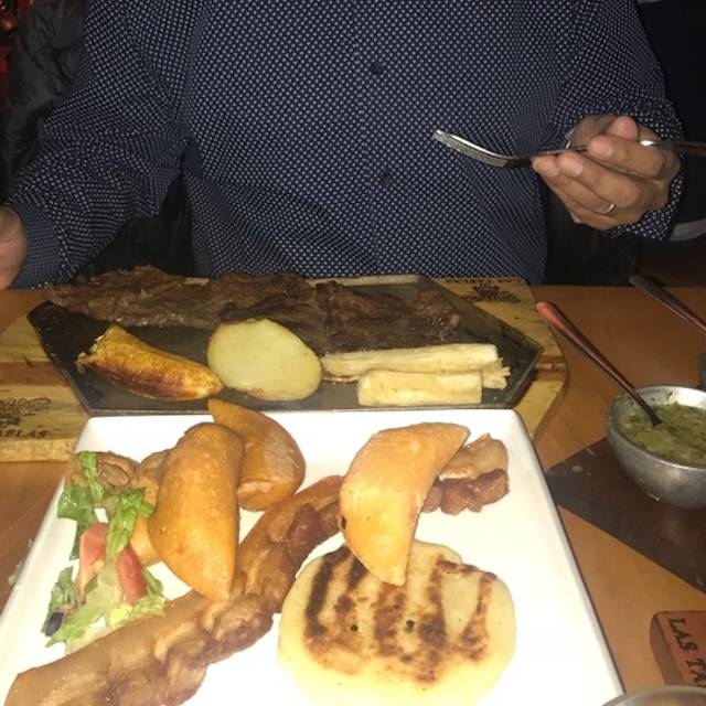 Las Tablas Colombian Steak House - Irving Park, Chicago, IL