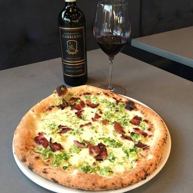 Doppio Zero Vera Pizza Napoletana e Pasta, Coquitlam, BC