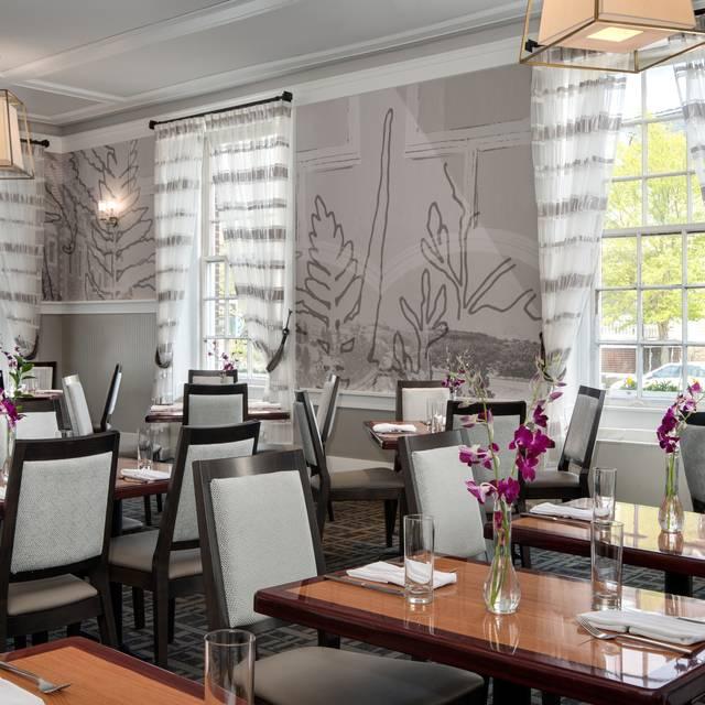 One Bellevue Restaurant - One Bellevue, Newport, RI