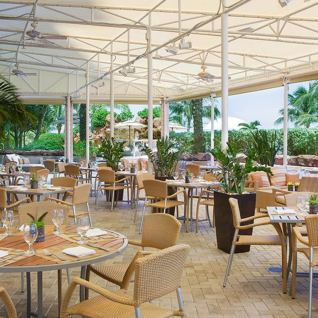 Neomi's - Neomi's - Trump International Beach Resort, Sunny Isles Beach, FL