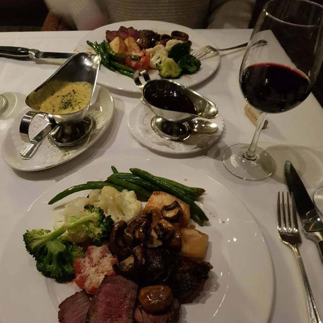 Hy's Steakhouse - Winnipeg, Winnipeg, MB