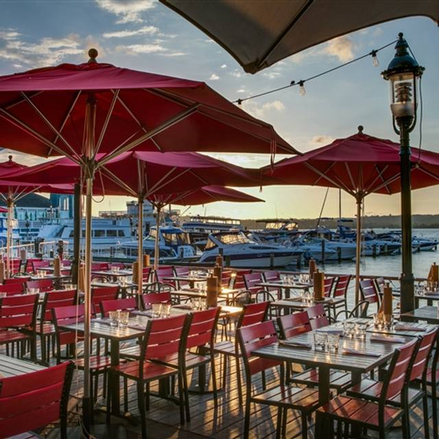 Vola 39 s dockside grill alexandria va opentable for King s fish house happy hour