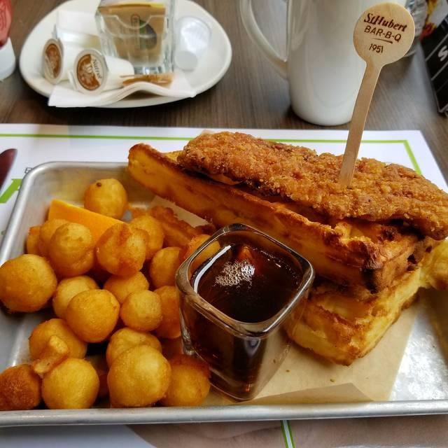 Rotisserie st hubert amherst montr al qc opentable for Menu st hubert salle a manger