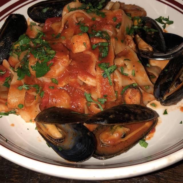Scaddabush Italian Kitchen & Bar - Square One, Mississauga, ON