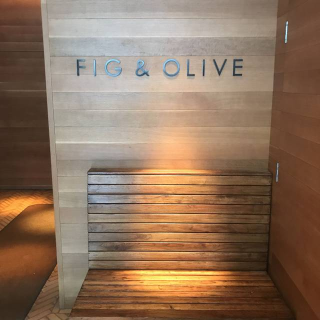 FIG & OLIVE Chicago, Chicago, IL