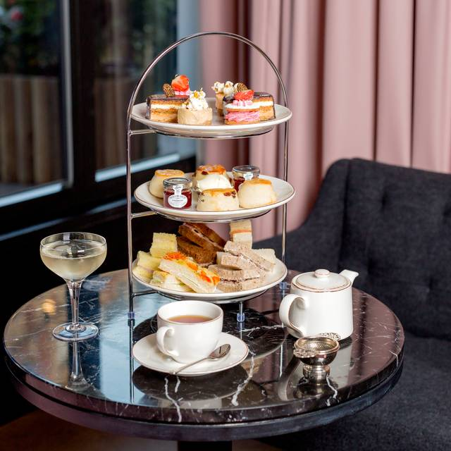 Afternoon Tea Rbel - Landscape - Prosecco - Afternoon Tea The Sussex Hotel, Marble Arch, London