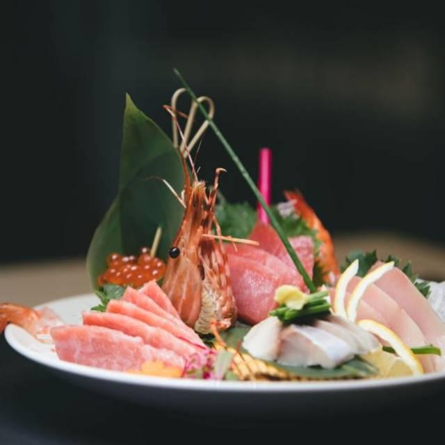 Sakana Sushi Lounge DTLA, Los Angeles, CA