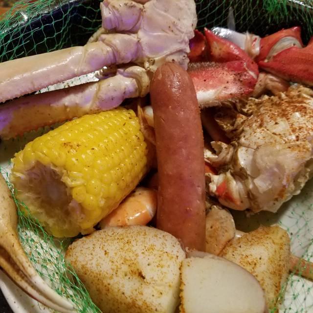 Joe 39 s crab shack colorado springs restaurant colorado for Two fish crab shack