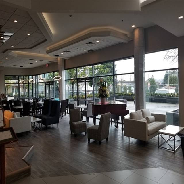 Acqua Restaurant + Bar, Burnaby, BC