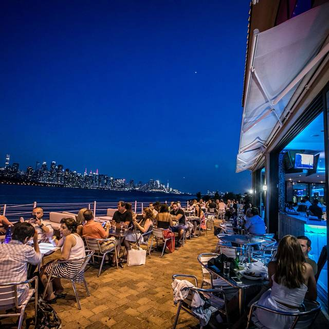 Outdoor Patio  - Waterside Restaurant and Catering, North Bergen, NJ