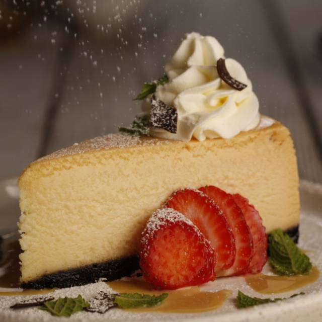 White Chocolate Cheesecake - Milestones Grill + Bar - Toronto - Toronto Life, Toronto, ON