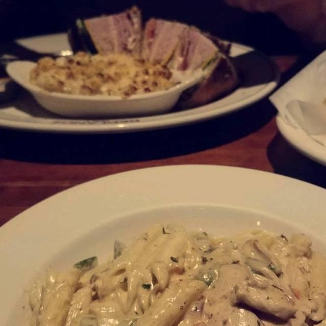 J. Alexander's - Redlands Grill – Columbus, Columbus, OH