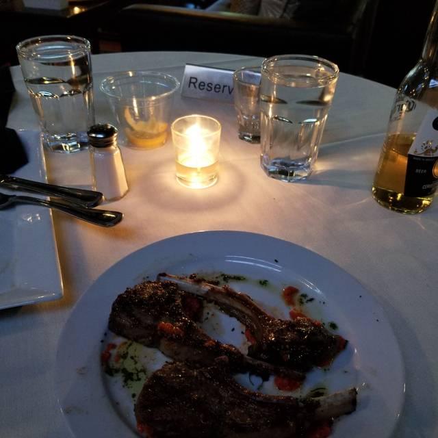 Haute restaurant lounge philadelphia pa opentable for Haute 1420 locust
