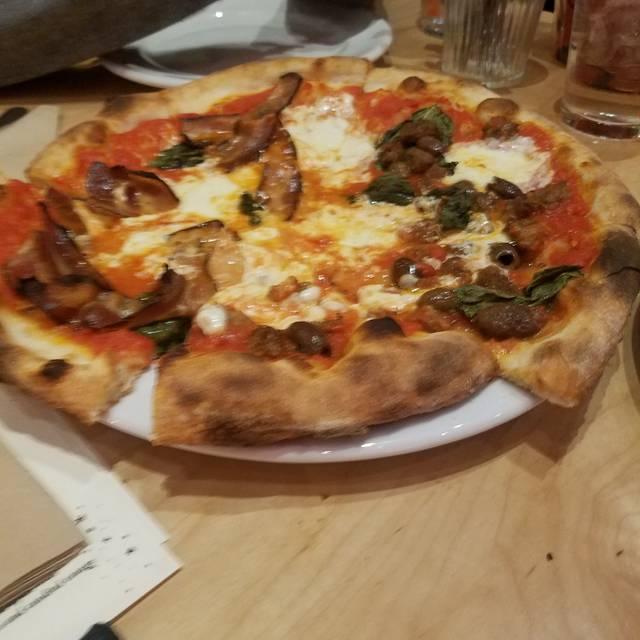 Rally Pizza, Vancouver, WA