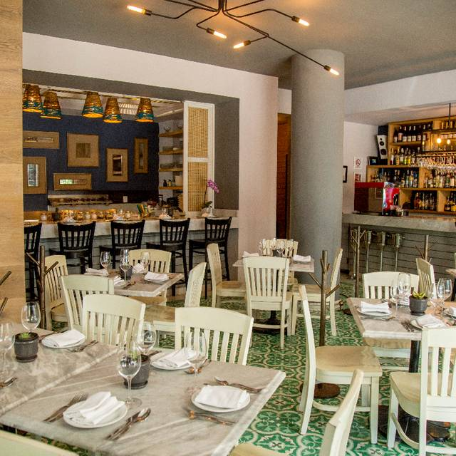Flor Blanca Restaurant Menu