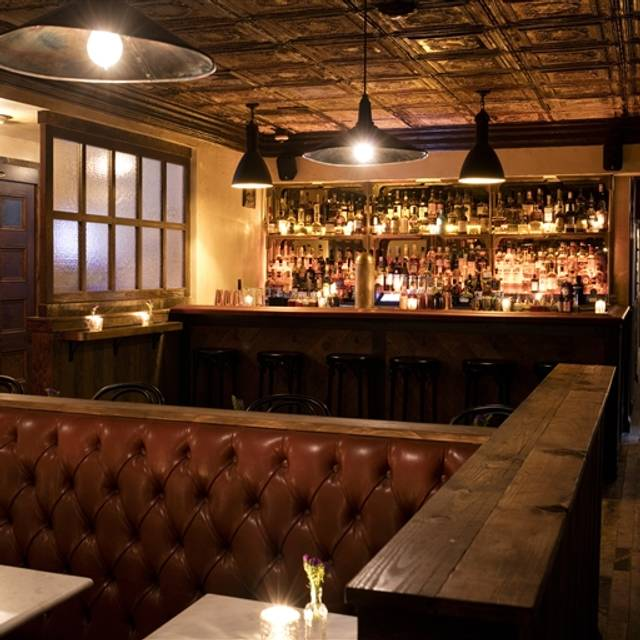 2nd Floor Bar Amp Essen Restaurant New York Ny Opentable