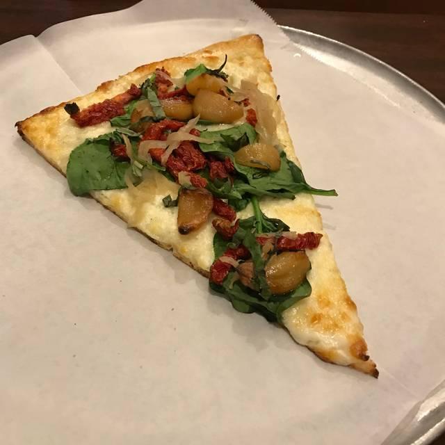 Slice on Saint Charles, New Orleans, LA