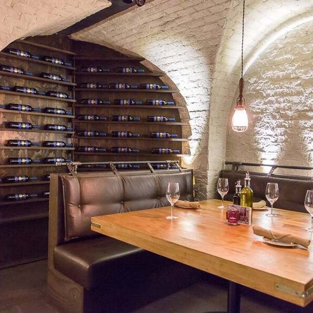 Cibo Wine Bar - Yorkville, Toronto, ON