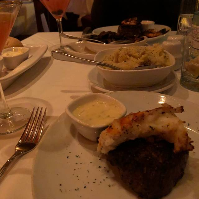 Fleming's Steakhouse - Chicago, Chicago, IL