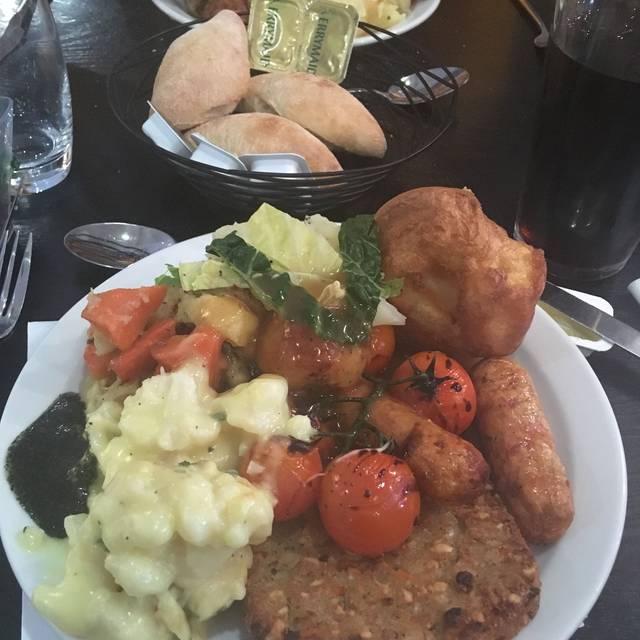 Village Grill - Village Hotel Birmingham Dudley, Dudley, West Midlands